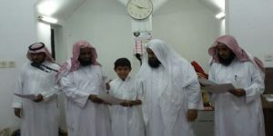 تكريم الطلاب في الدورة القرآنية الرمضانية بقطاع دبساء