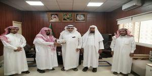 محافظ محافظة البرك يتسلم التقرير السنوي للجمعية