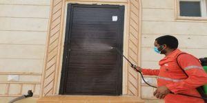 ضمن جهودها الإحترازية للوقاية من فيروس #كورونا المستجد بلدية البرك تعقم مقر الجمعية